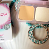 Maybelline-Clear glow Compact powder!